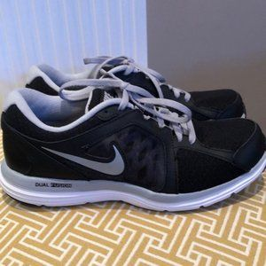 Nike Dual Fusion ST3 sneakers Size 7.